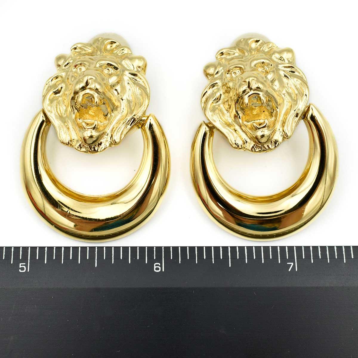 Picture of: Vintage Escada Margaretha Ley Large Gold Lion Head Door Knocker Clip On Earrings Ebay